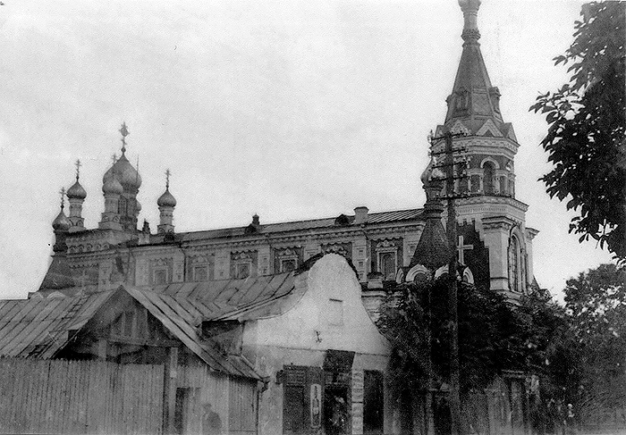 - Orthodox church of the Protection of the Holy Virgin.