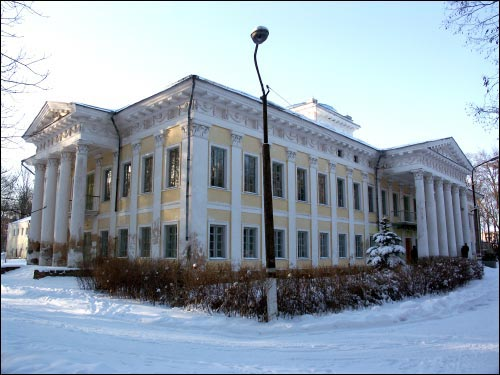 - Палацава-паркавы ансамбль Булгакаў. Галоўны корпус, агульны выгляд