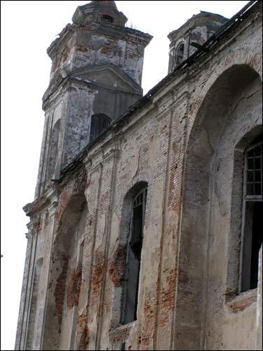 - Касцёл Святога Мікалая. Бакавы фасад, фрагмент. 07.2008