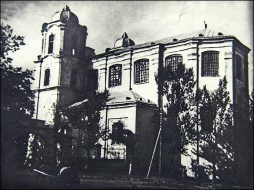 - Касцёл Унебаўзяцця Найсвяцейшай Панны Марыі. Паўночны фасад касцёла на здымку да 1946 г.