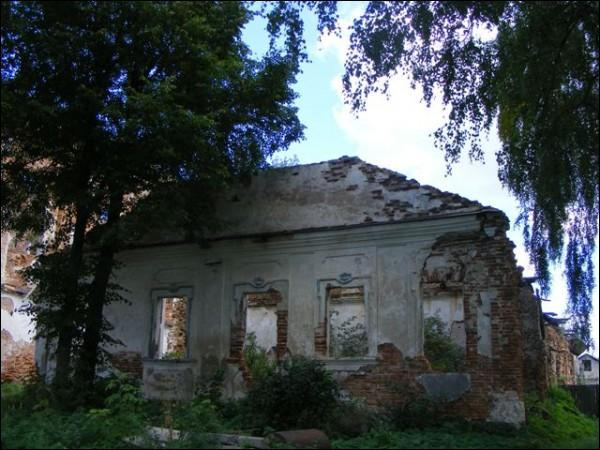 - Царква Святога Ануфрыя. Манастырскі корпус (08.2009)