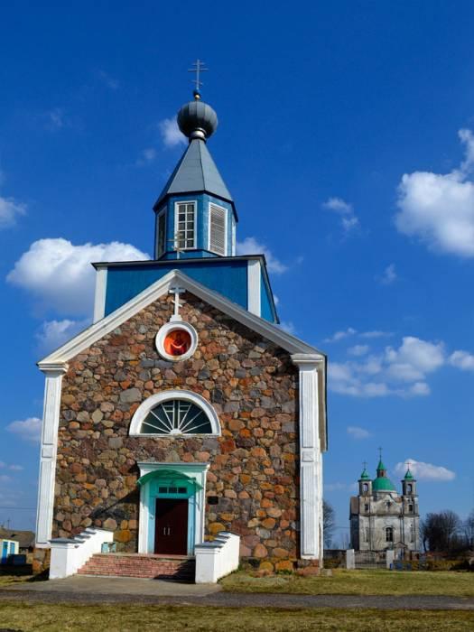 - Царква Покрыва Прасвятой Багародзіцы.