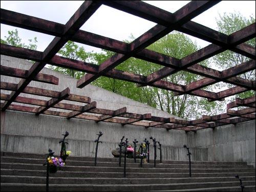 -  Мэмарыяльны комплекс «Шталаг 342». Фрагмент