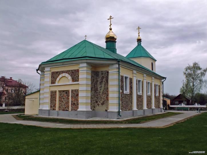 - Церковь Святого Архангела Михаила.