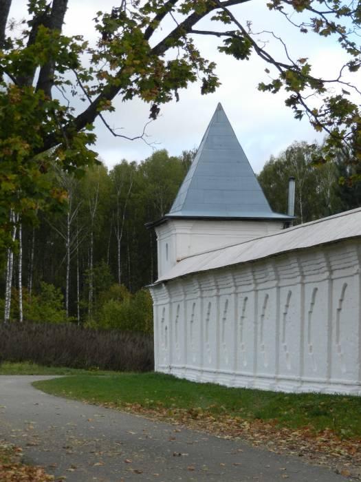 - Церковь Введения в Храм Пресвятой Богородицы.