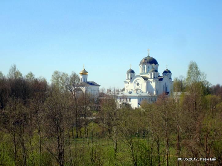 - Монастырь Спасо-Ефросиньевский. Вид от урочища