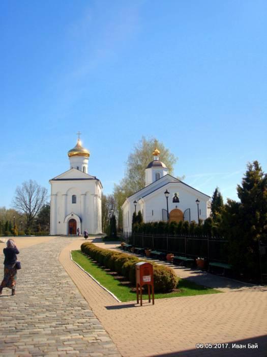 - Монастырь Спасо-Ефросиньевский. Церковь Святого Спаса и Трапезная(Тёплая) церковь