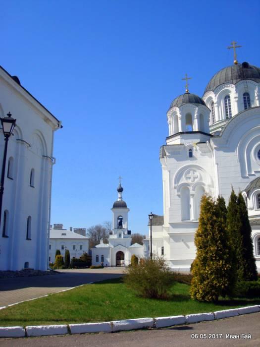 - Монастырь Спасо-Ефросиньевский. В монастыре