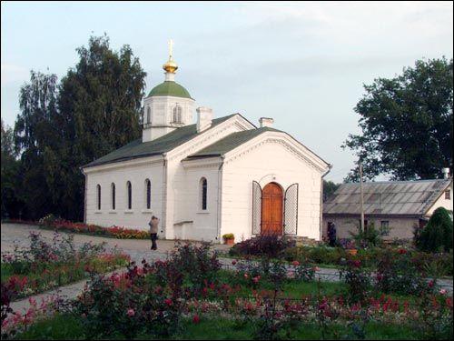 - Манастыр Спаса-Эўфрасіннеўскі. Цёплая царква