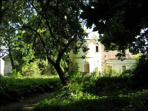 - Сядзібна-паркавы ансамбль Грабніцкіх. Погляд на сядзібны дом з парку