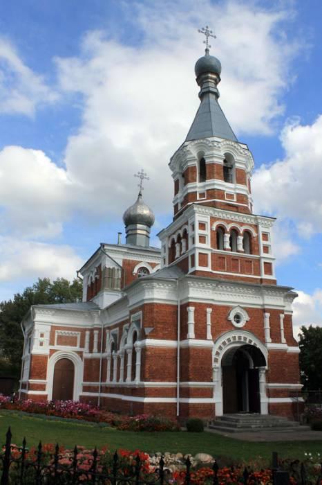 - Cerkiew Podwyższenia Krzyża Świętego.
