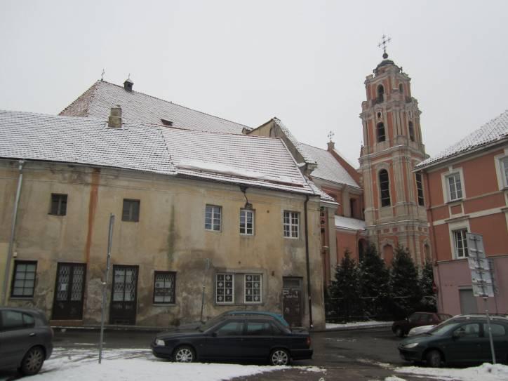 - Catholic church of All Saints and monastery of Carmelites.