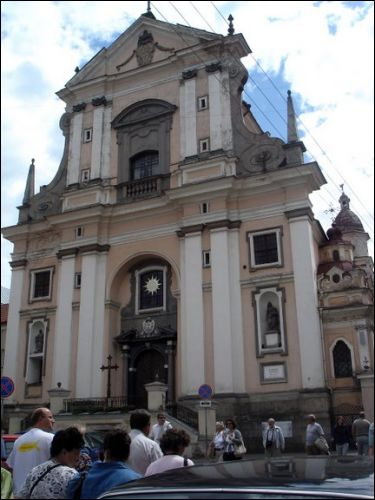 - Catholic church of St. Theresa (of the Carmelites). Main facade