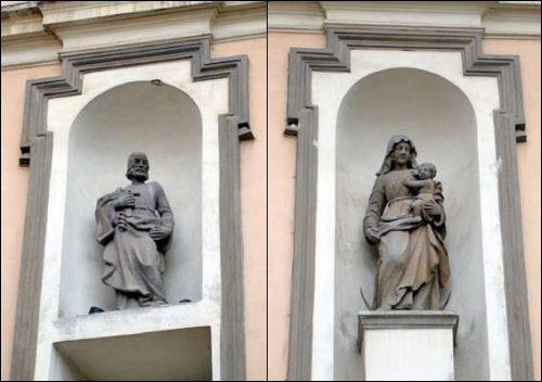 - Catholic church of St. Theresa (of the Carmelites). Main facade, sculptures