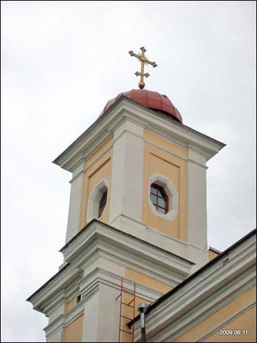 - Царква Святога Духа і манастыр. Вежа