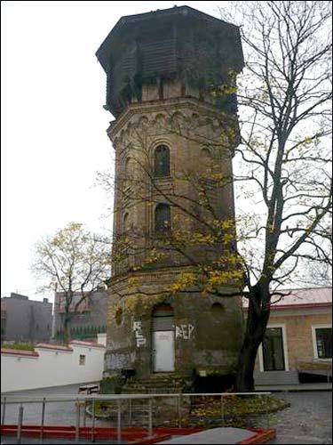 - Палац Сапегаў. Ваданапорная вежа пач. ХХ ст. ля палаца