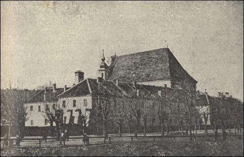- . J. Kłos. Kościół św. Michała i klasztor panien bernardynek