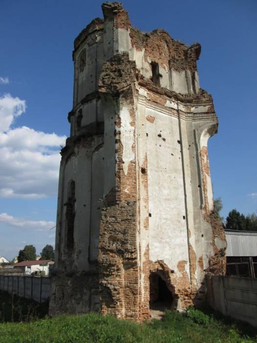 - Касцёл картузіянскі. Руины башни-колокольни костёла св.Иосифа