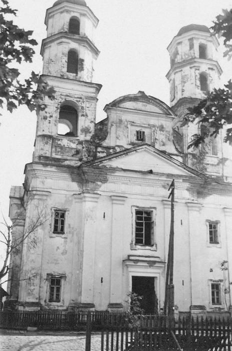 - Касцёл Св. Гераніма і кляштар дамініканаў.