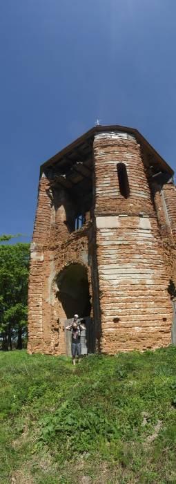 - Манастыр Святога Мікалая, руіны.