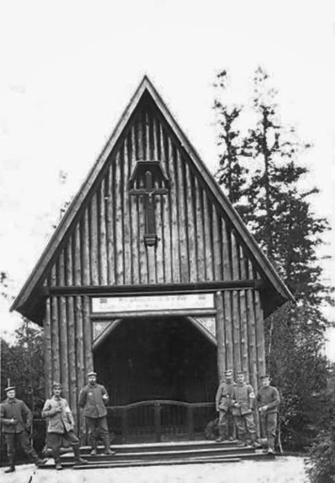 - Graveyard chapel .