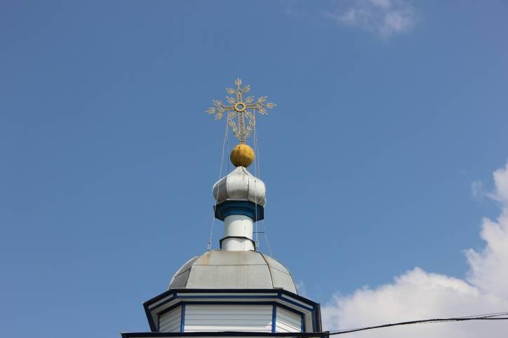 - Царква Святога Мікалая.