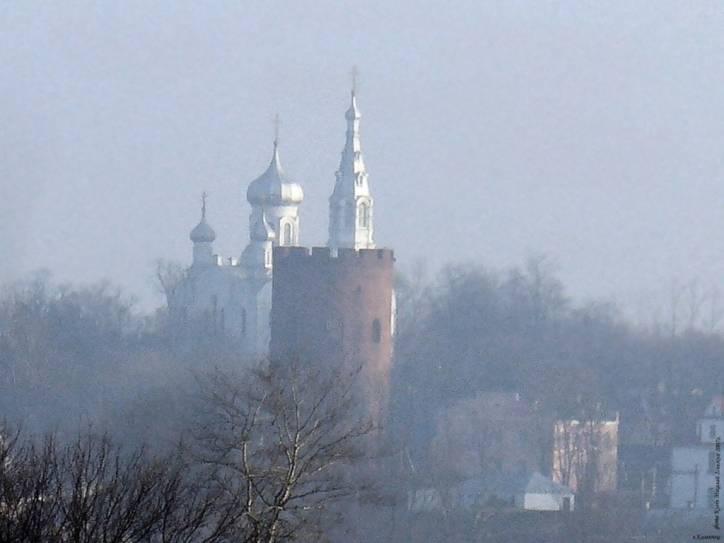 -  Камянецкая Вежа (Белая). Погляд на вежу і царкву